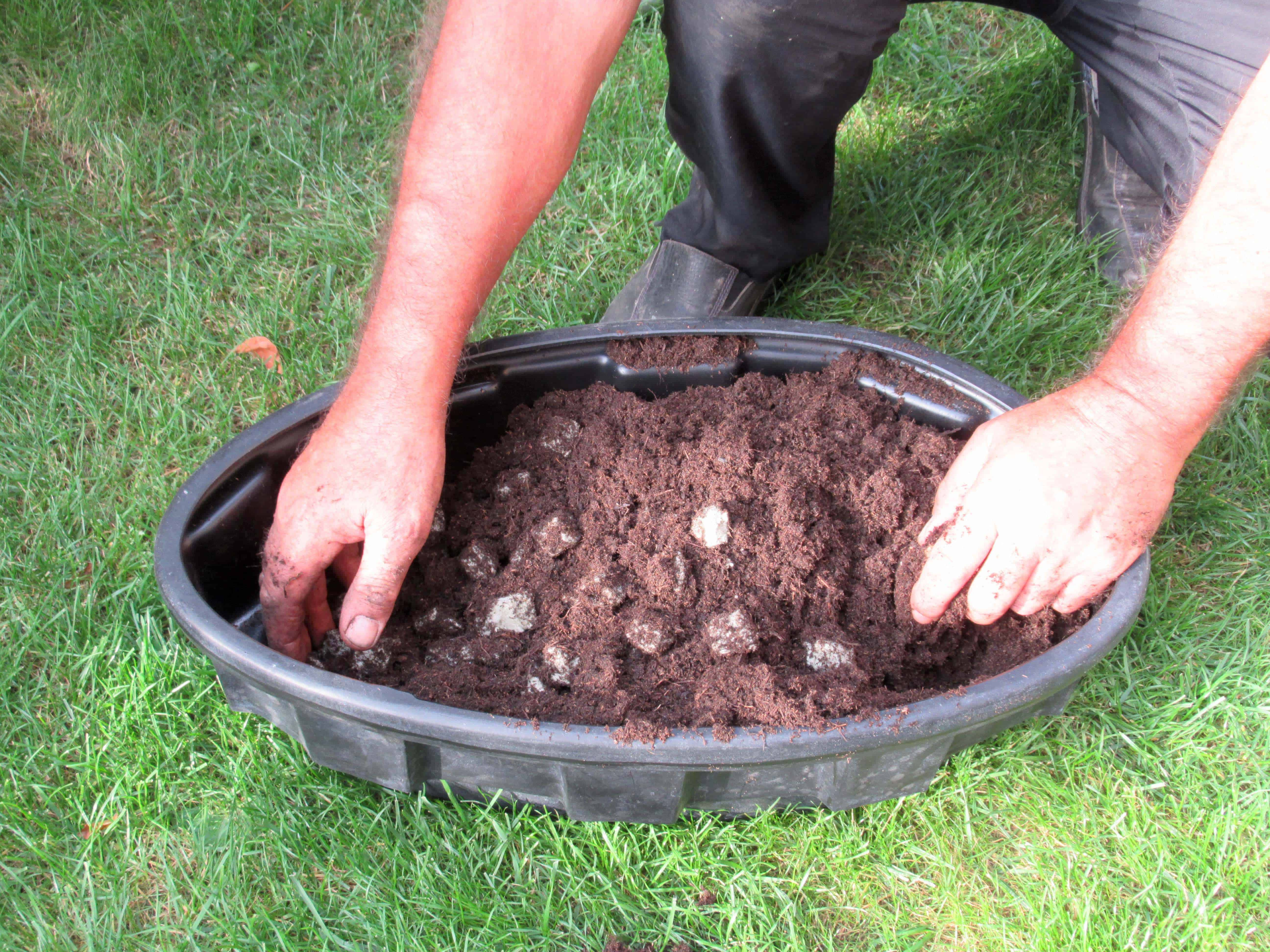 MiGreen Cubes grondverbeteraar goed vermengen met potgrond