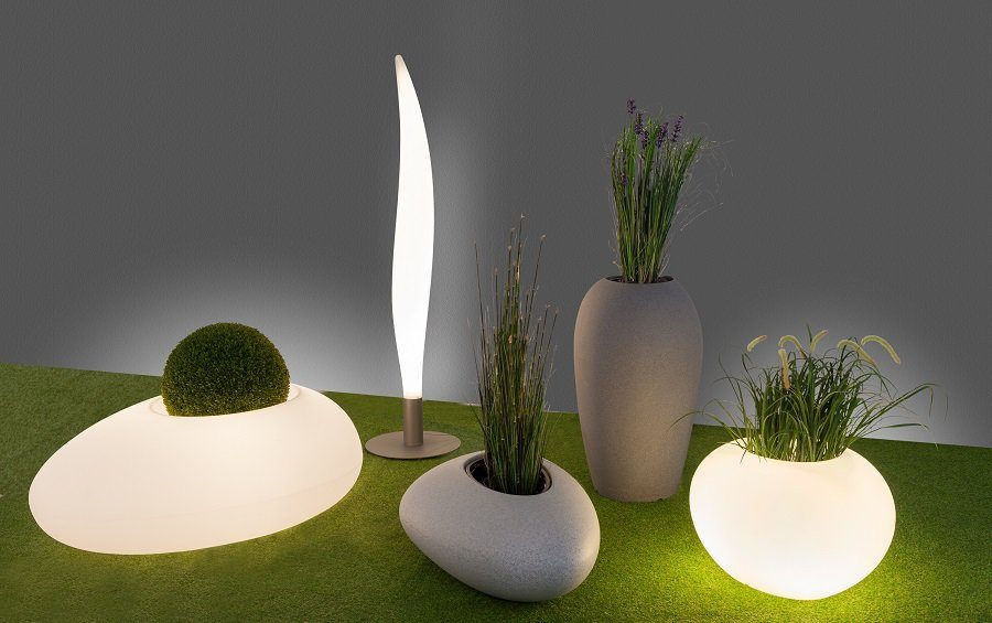 Onze designobjecten brengen sfeer in de tuin