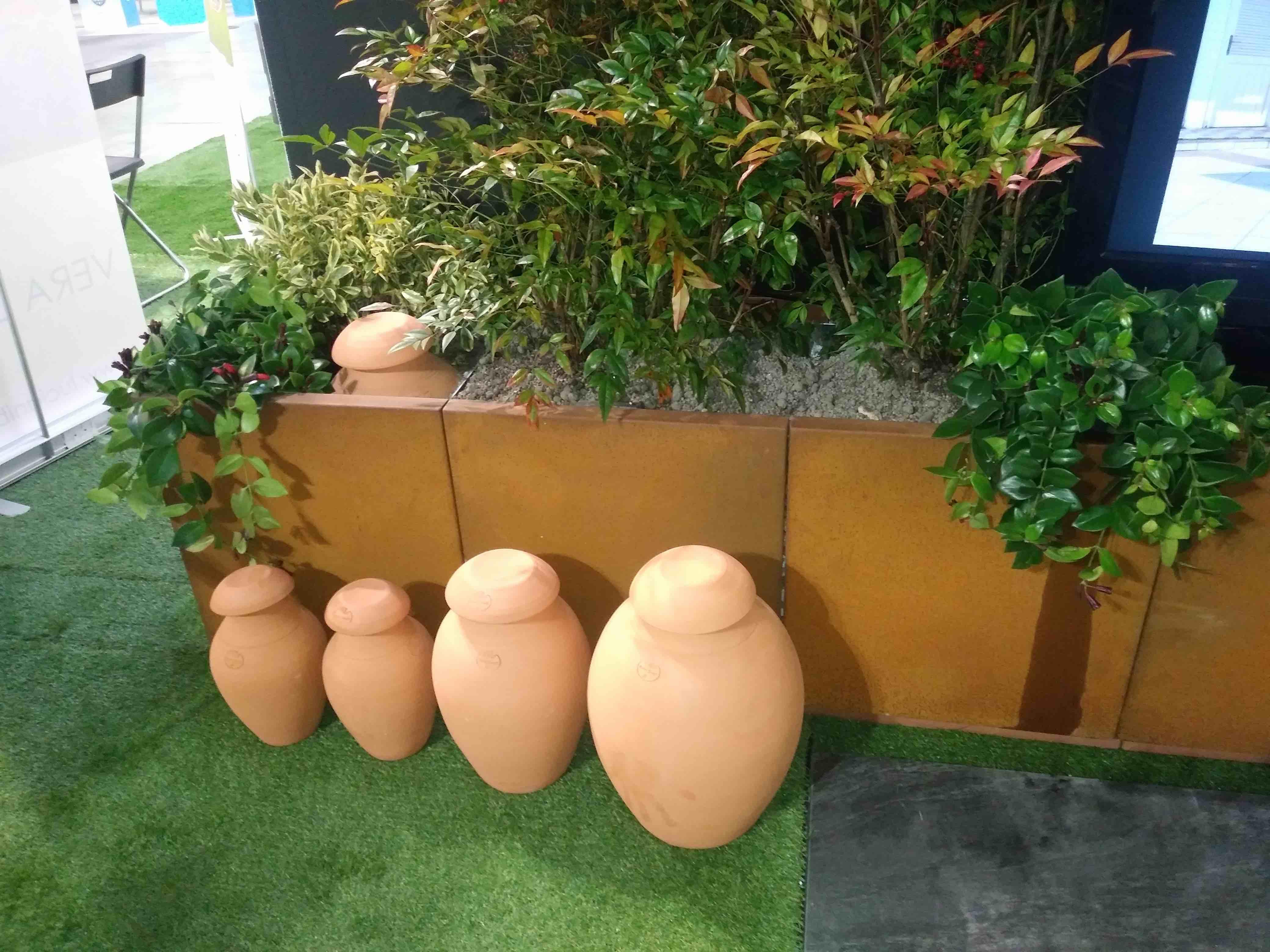 Veilige afboording en afbakening terras of dakterras met bloembakken in cortenstaal