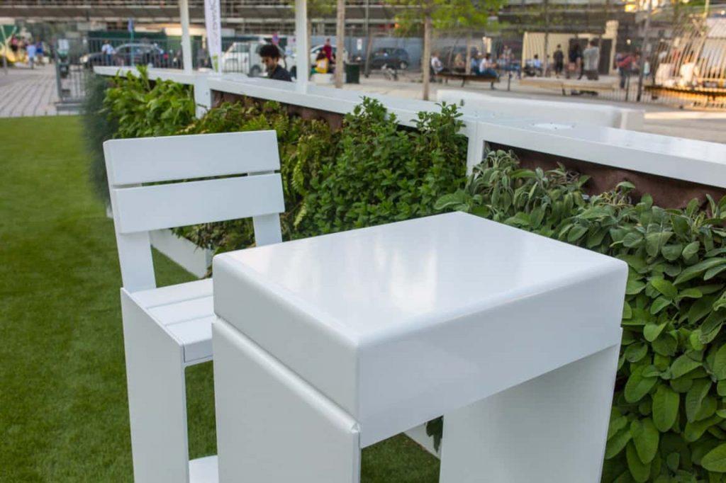 Moderne Amburgo tuintafel en tuinstoelen.