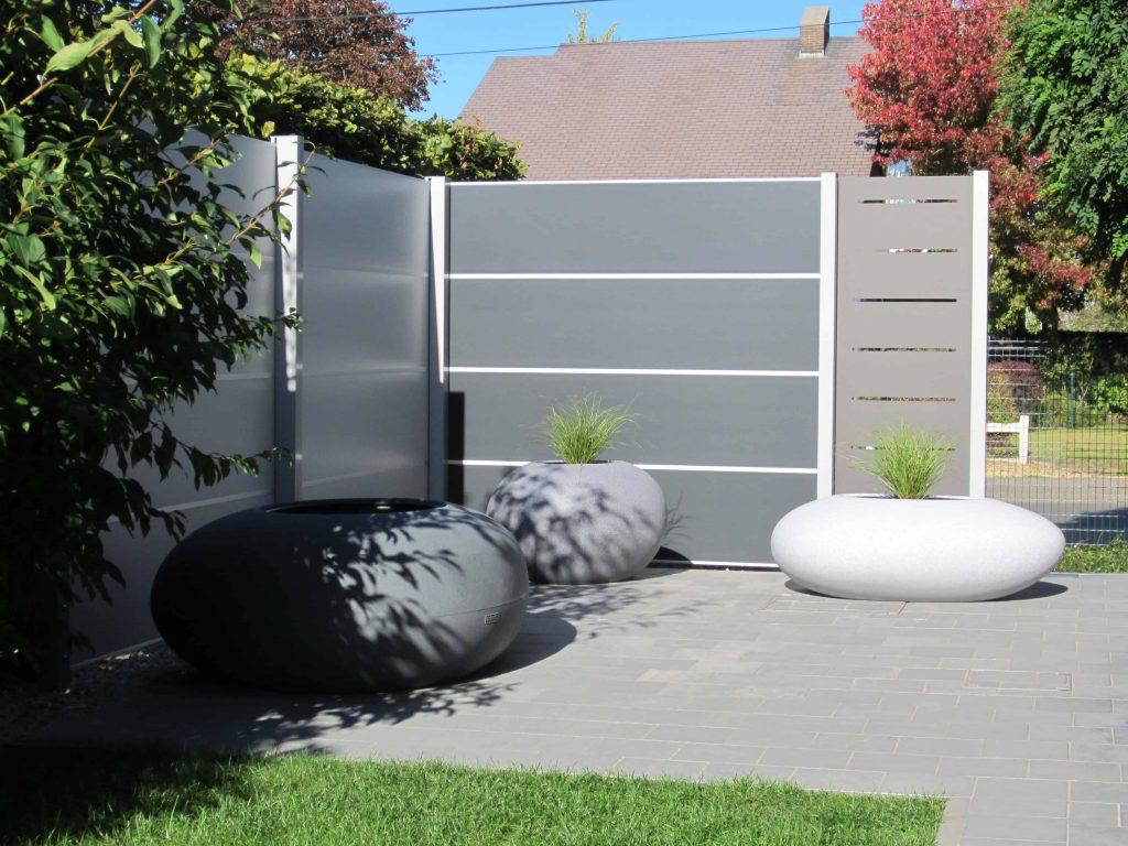 Modern tuinscherm, onderhoudsvriendelijke en duurzame tuinwand